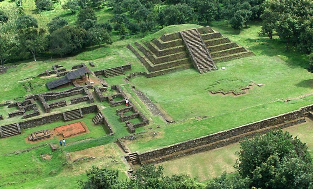 Ciudad prehispánica de Tingambato, en Michoacán en realidad virtual