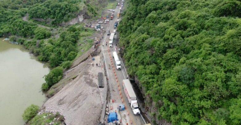 Así luce la carretera tramo Pátzcuaro-Lázaro Cárdenas luego de su reparación