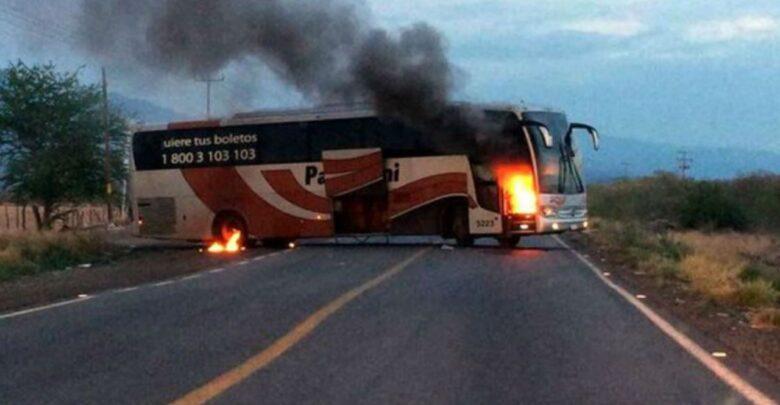 Línea de autobuses suspende servicios en Michoacán por violencia