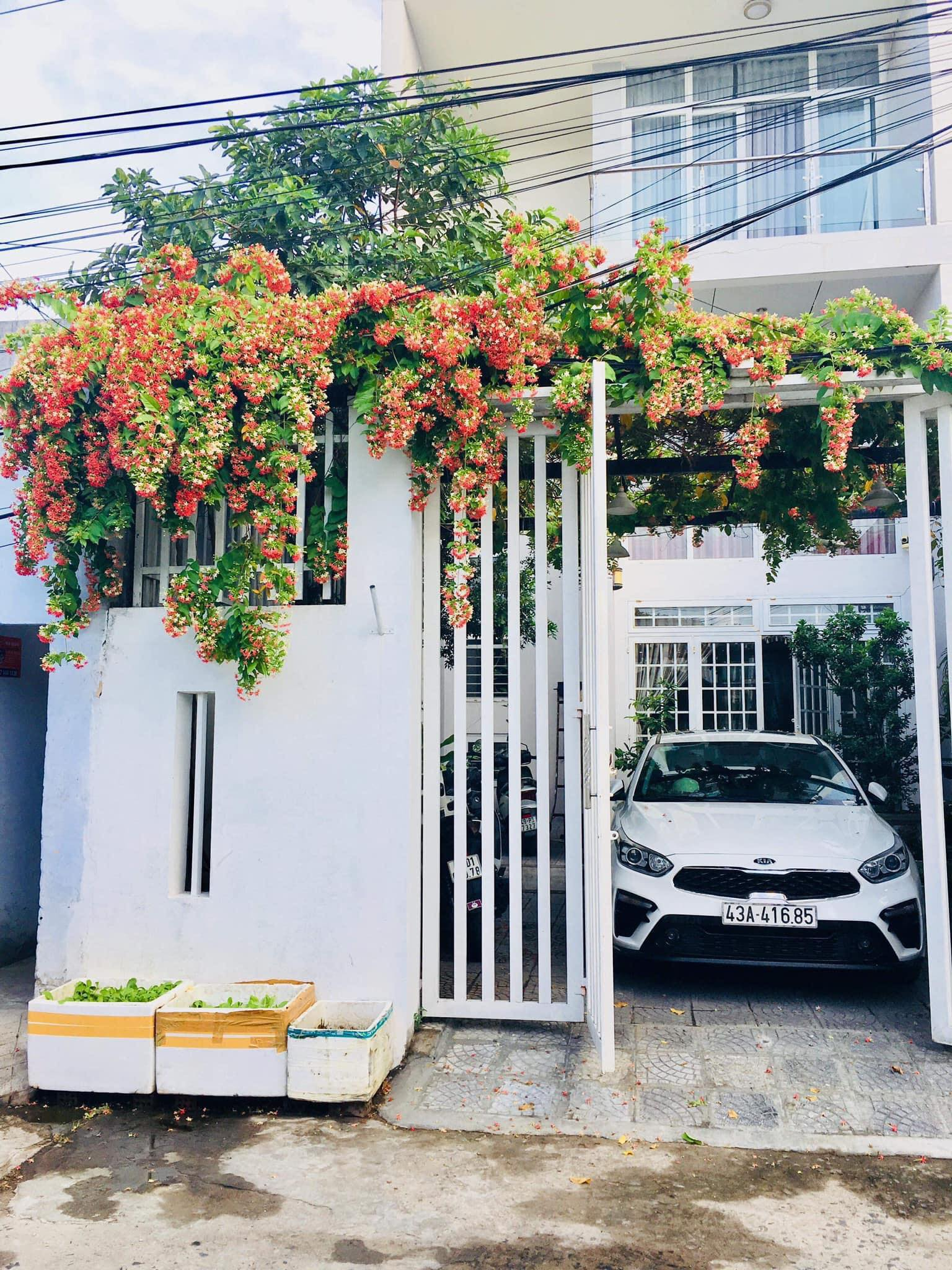 3 BEDROOM HOUSE FOR RENT IN THANH KHE