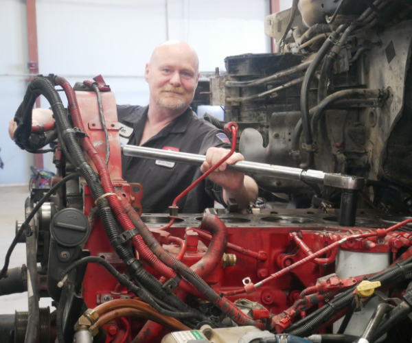truck mechanic repair shop bakersfield