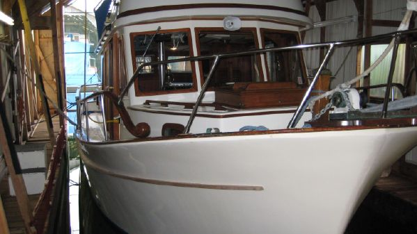 34′ North Sea Trawler 1977 – US$ 49,900