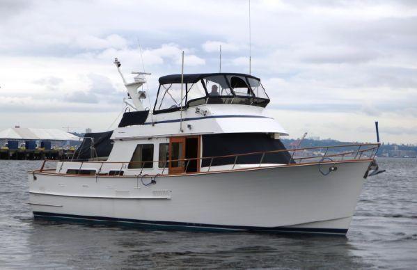 43′ Ocean Alexander Tri-Cabin MY – US$129,500