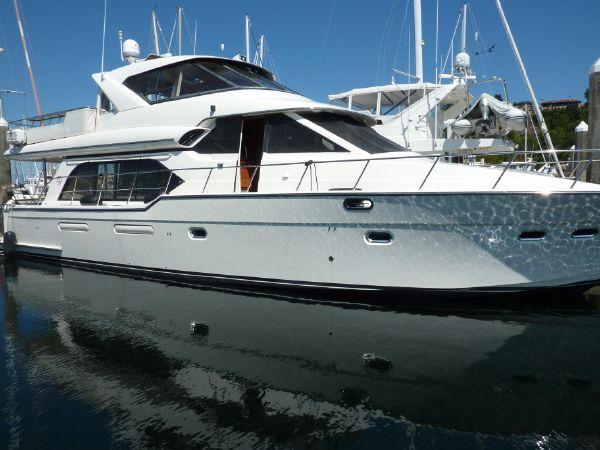 57′ Bayliner 5788 Pilot House Motoryacht – US $599,950