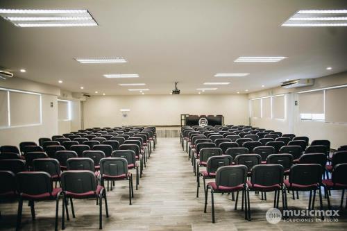 Equipos de Audio para Auditorios y Escuelas