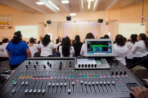 Equipos de Sonido Iglesias Cristianas, Musicmax