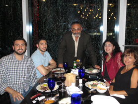 Dr. Makhlouf w.his loving family - cirugía estética - Park Ridge-IL