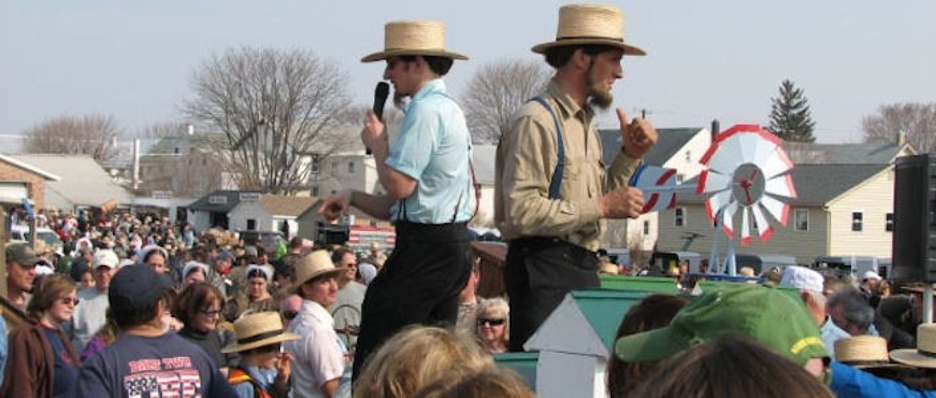 Amish Auction with two auctioneers