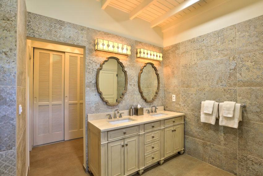 031-Master Bathroom