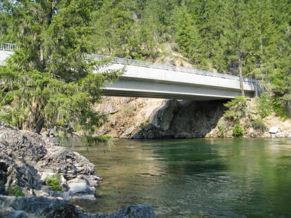 Salmon-La-Sac-Bridge_edited
