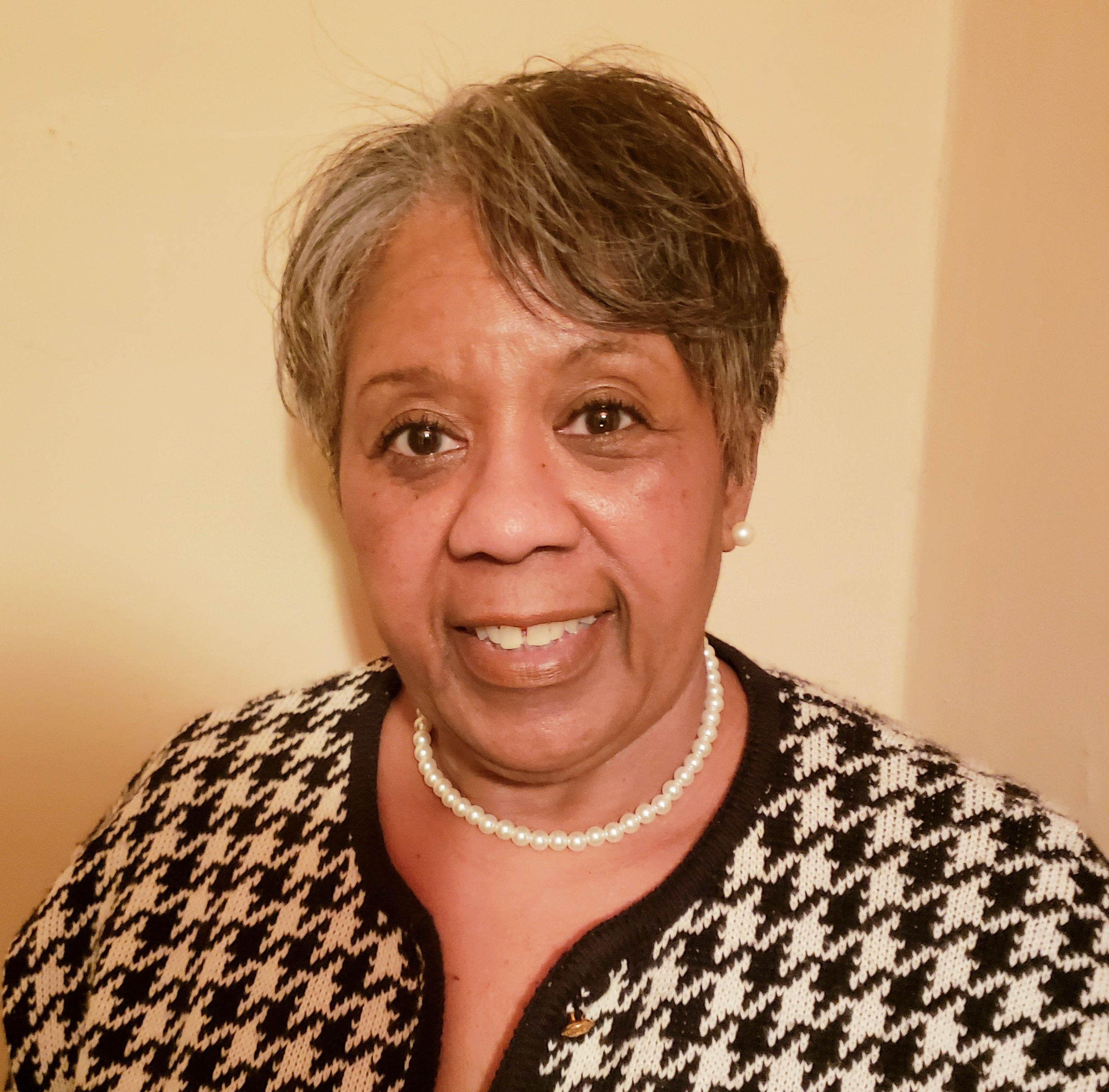 Lynda Gibson, Administrative Assistant