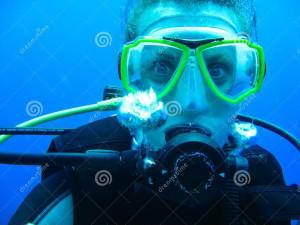 female-scuba-diver CROP