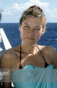 Evelyn Freund alone