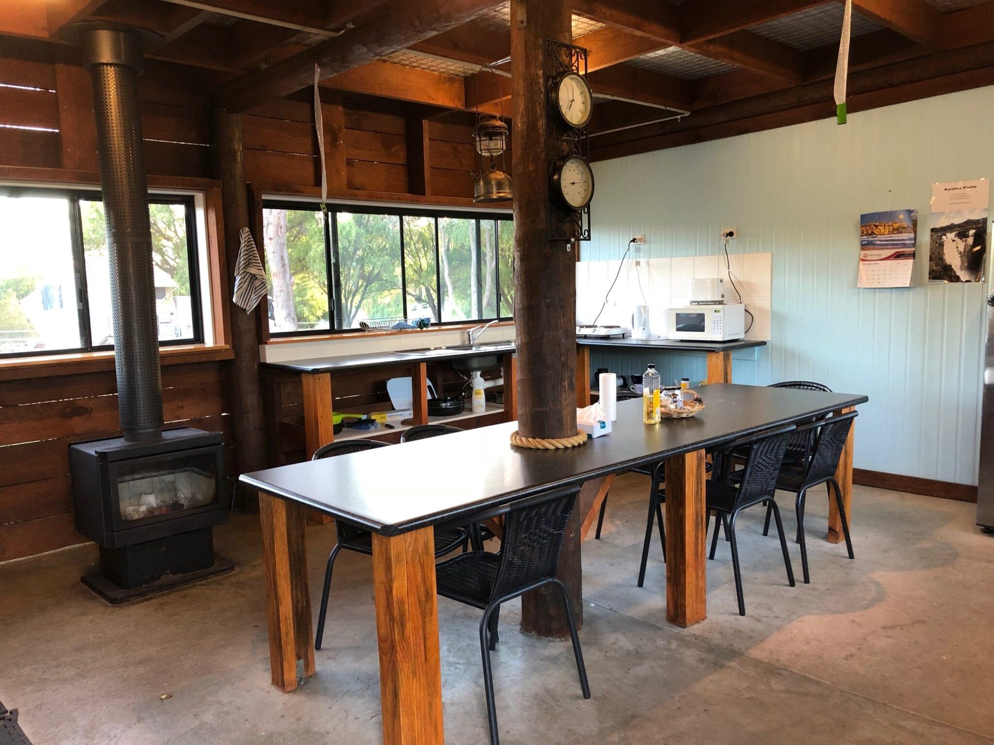 Modern camp kitchen, Walcha Caravan Park