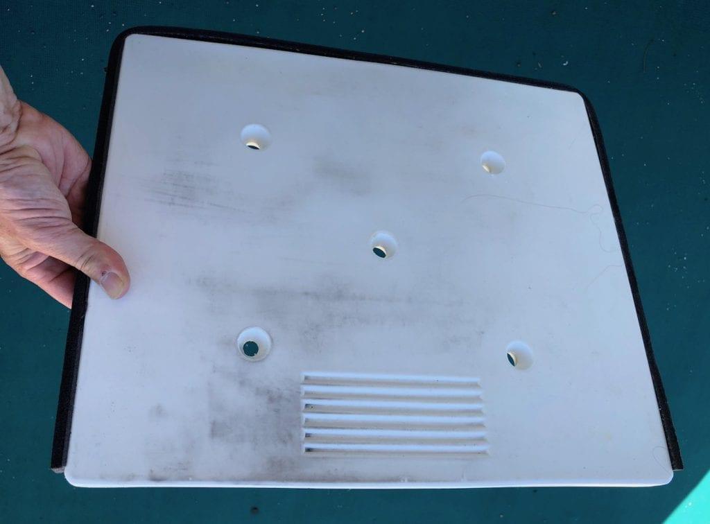 Divider is easily removable. EvaKool Fridge/Freezer.