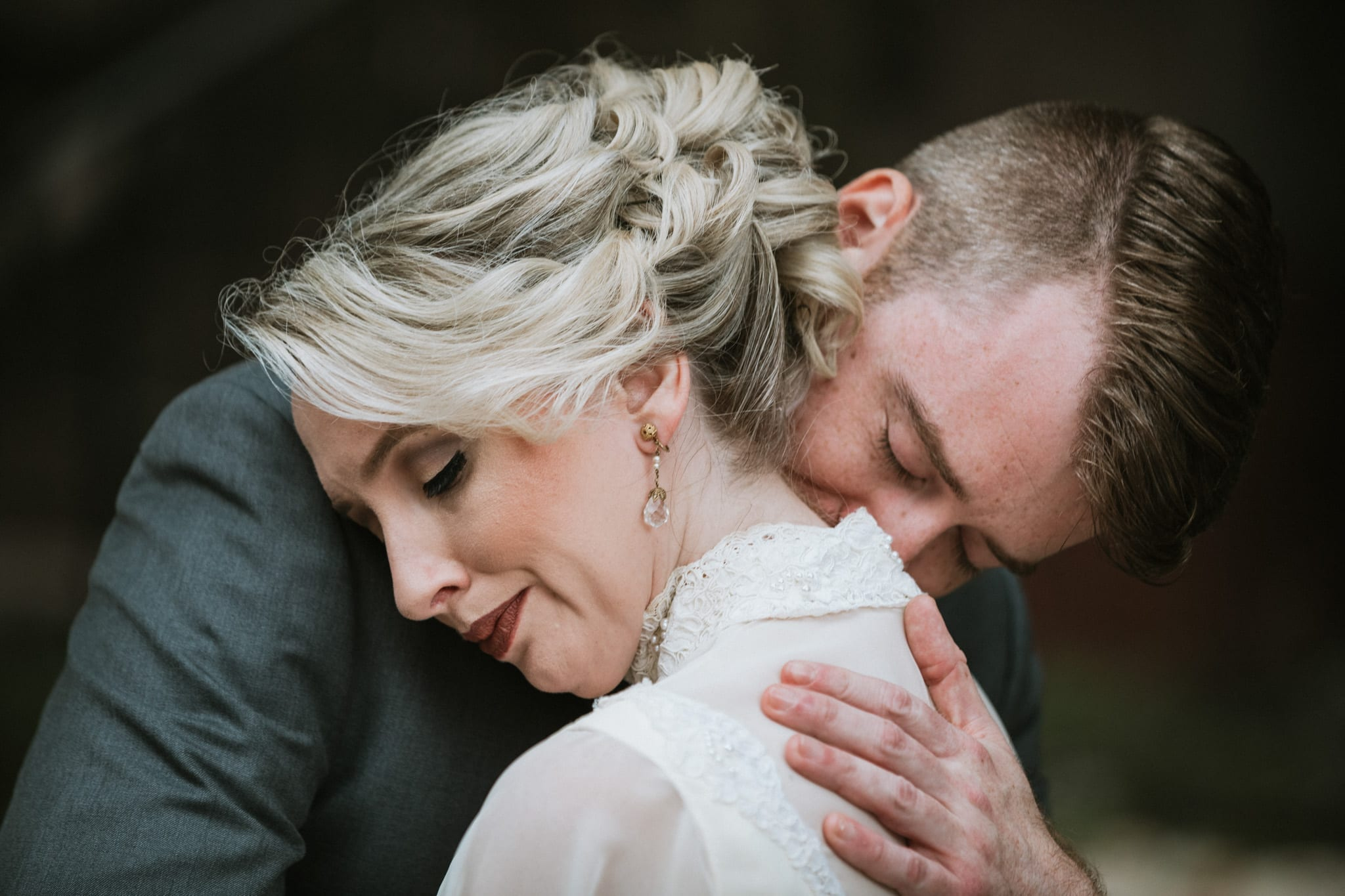 Storytelling Outside the Box/Documenting weddings