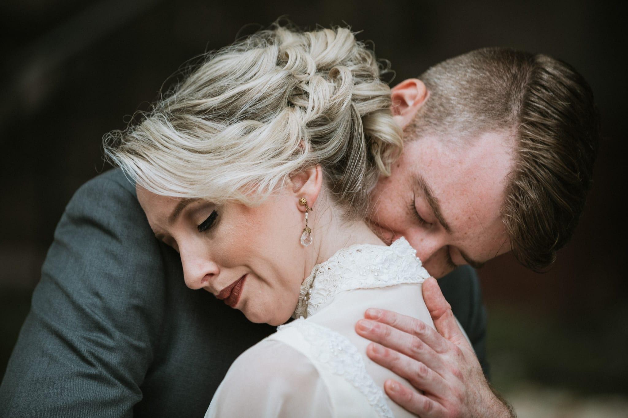 Storytelling Outside the Box/Documenting weddings