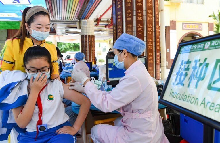 China:lanza la vacunación para niños de 3 a 11 años en medio de un repunte de los casos de COVID-19