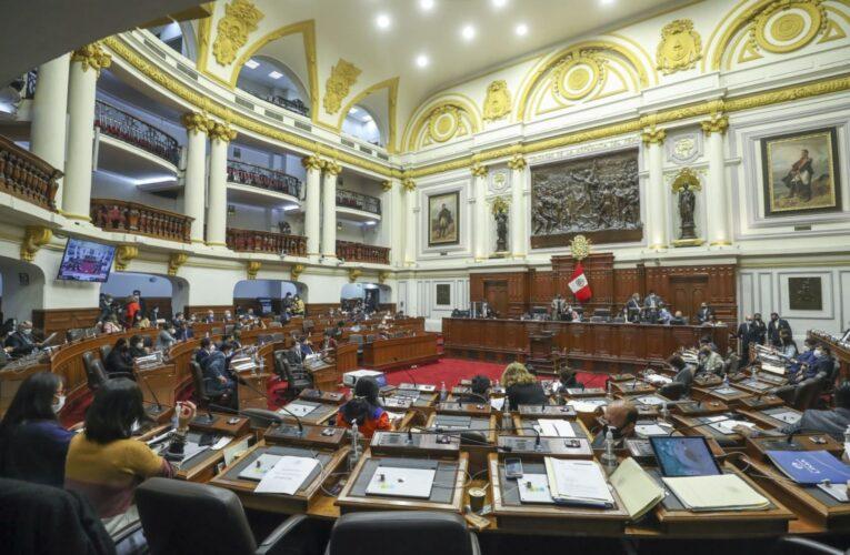 Congreso peruano aprueba ley que limita el poder del presidente