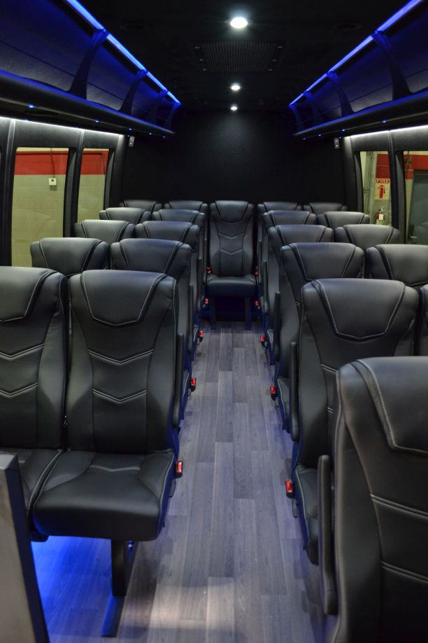 23 PASSENGER CORPORATE sHUTTLE BUS