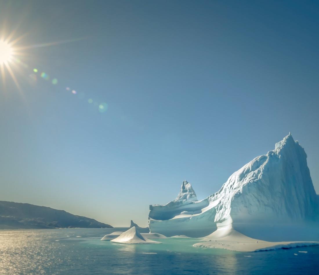 La première ministre de l'Ontario,Kathleen Wynne, la Gouverneure de l'Orégon,Kate Brown, et le premier ministre du Québec,Philippe Couillard, ont signé un protocole d'entente qui permettra d'accélérer le rythme du travail de pointe des trois gouvernements dans la lutte mondiale contre les changements climatiques