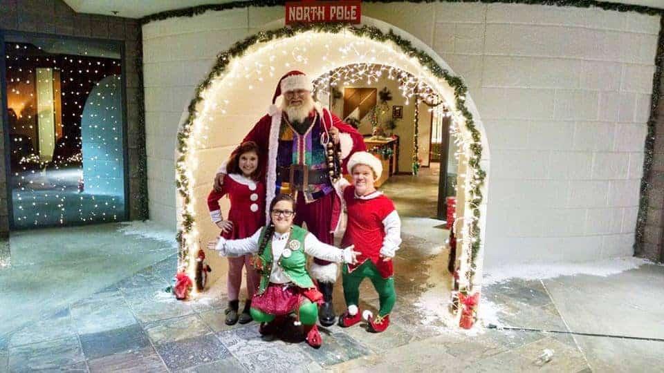 santa-and-his-elves