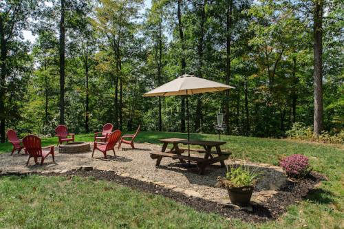 Fire pit and picnic area