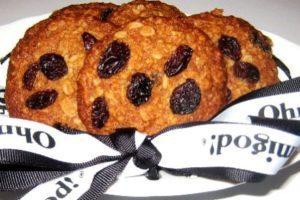 Oatrageous Cookies