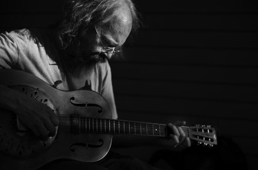 Singer and songwriter Charlie Parr