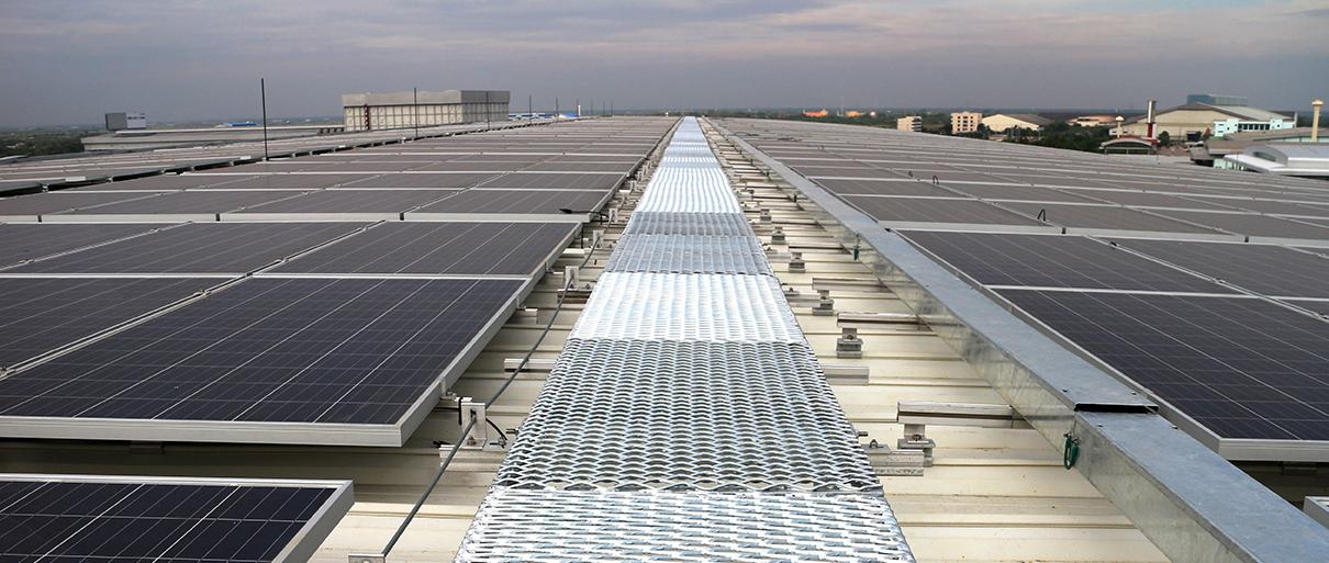 solar_panels_walkway_roof