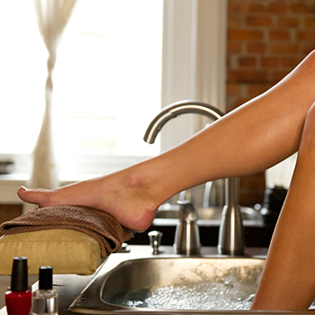 Pedicure-service-spa