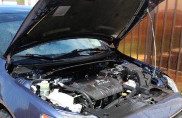 https://pixabay.com/en/motor-metal-vehicle-machine-part-2595269/