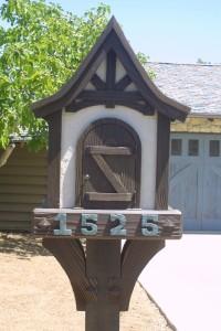 Custom mail box