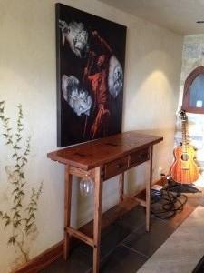 Red oak wine table