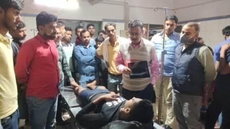 Hospital guards lathi-hit students with corona check line in Ara