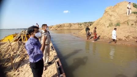 Surundha Tapu-सोन नदी से बालू खनन में 32 गिरफ्तार