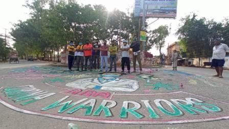 Ara Ramna Maidan Golambar - Artists create colorful street art paintings