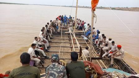 Bhojpur police action on sand mafia