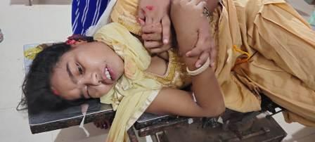 Shivganj - Fight broke out between husband and wife - wife's ear cut off