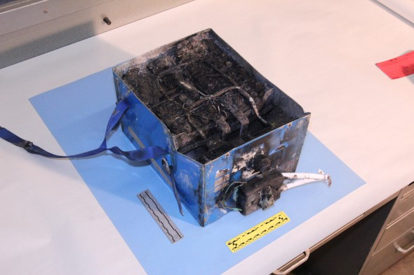 1-7-12_JAL787_APU_Battery-590x393