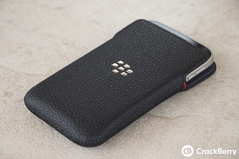 BlackBerry-Classic-In-Leather-Pouch-Right