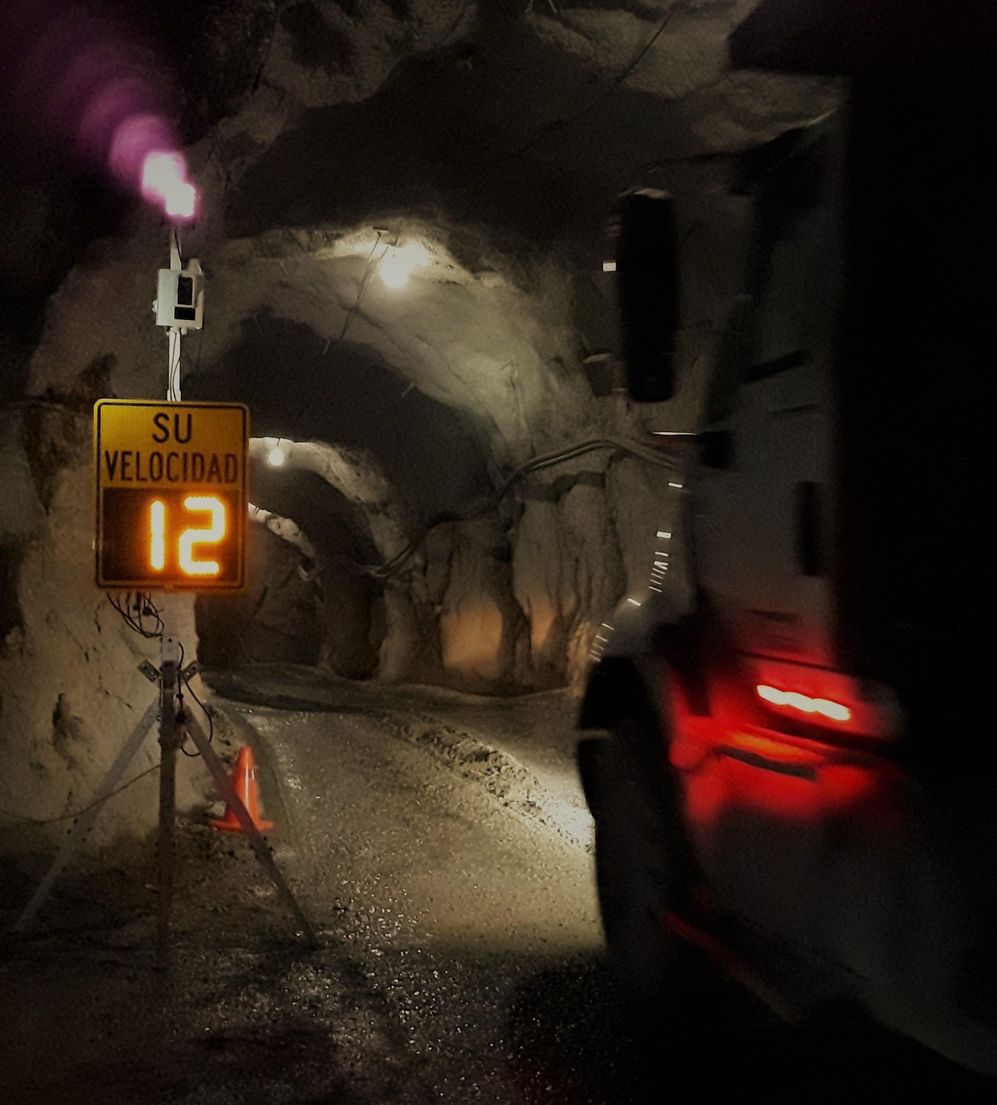 soluciones de seguridad vial para minas camión