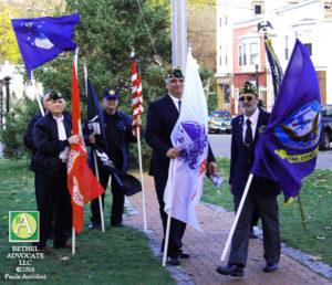 ba9_0583veteransholdflags