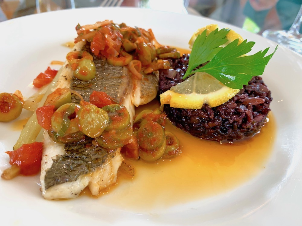 Fresh fish from Narbonne Market on Enchante European Waterways