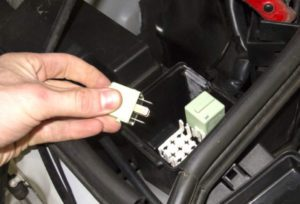 Fuel Pump Relays - Allows Current Through To The Fuel Pump
