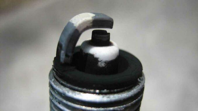Spark Plug Problems - Troubleshooting, Failure Symptoms, Replacement