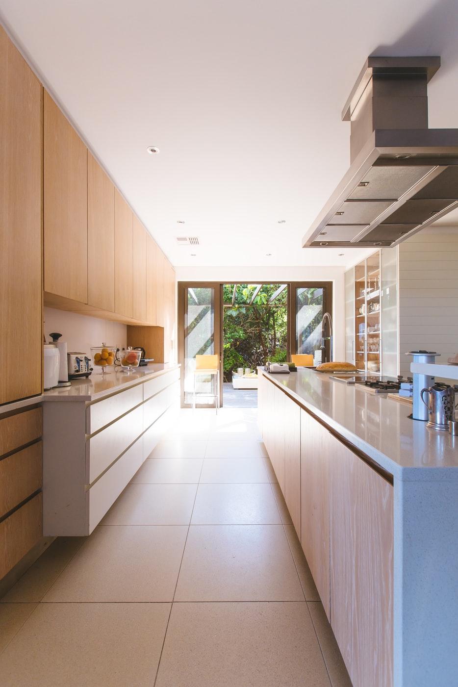 TAU BUILDERS: Renovation Contractors