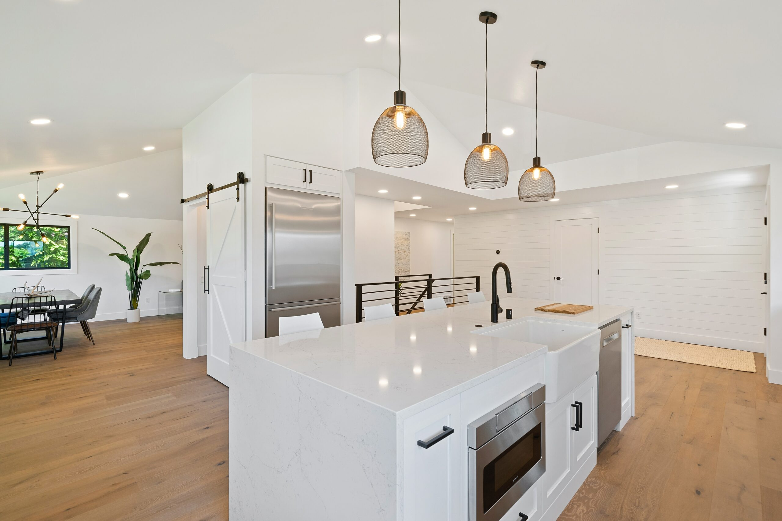Example of a kitchen ready for an open house in Cincinnati