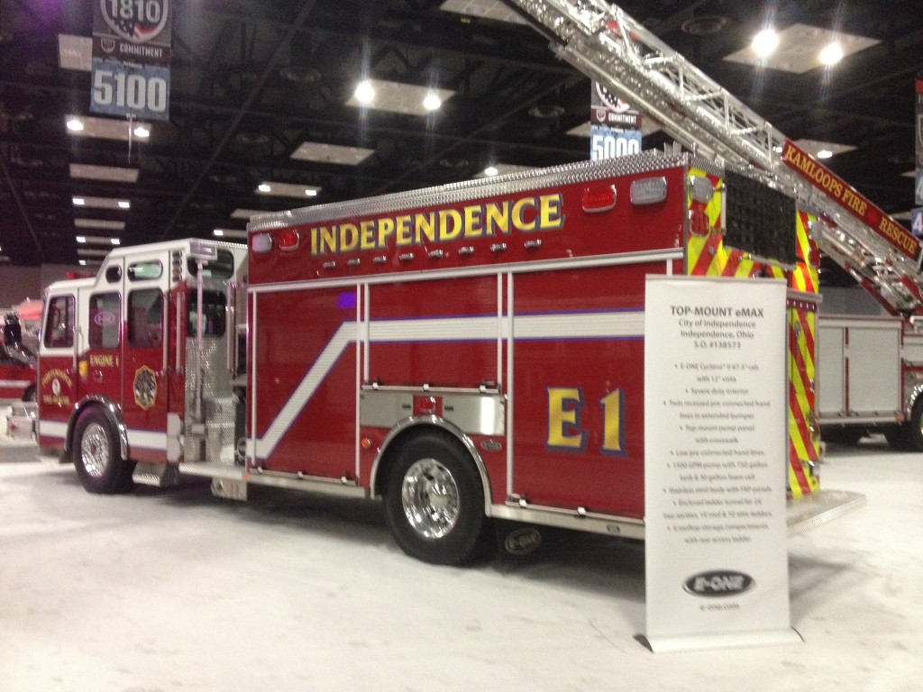 E-ONE STAINLESS Top Mount e-MAX Pumper at FDIC