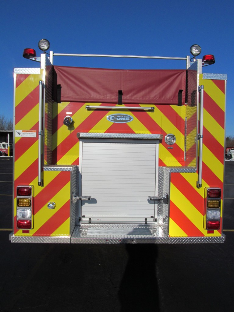 Bridgeview Fire Department - E-ONE Stainless Side Mount Pumper - Rear view